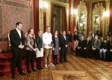 Reparto de premios que homenajea el mundo del deporte
