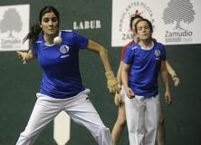 Escuela de pelota femenina